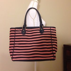 Deux Lux Handbags - Large navy and pink tote