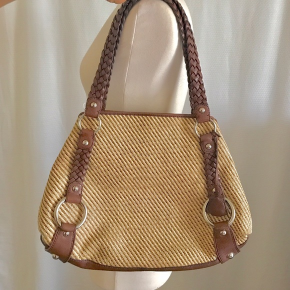 Banana Republic Handbags - Banana Republic Woven Straw  Leather Tote 48834eed9e2da