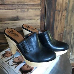 Seychelles Black Clogs - EUC