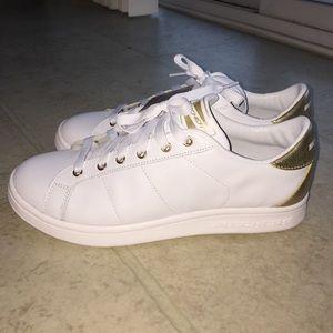 9c6ea9176997 Skechers Shoes - Skechers Omne Kort Classix NWT Size 11
