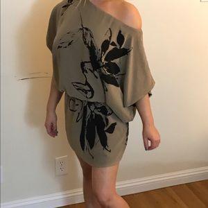 Karen Zambos Dresses & Skirts - Karen Zambos Dani Dress!