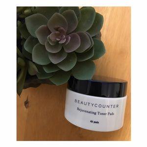 beautycounter Other - Beautycounter Rejuvenating Toner Pads