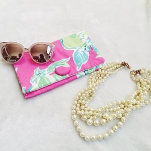 {lilly pulitzer} 🌿 pink lemonade fabric clutch