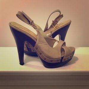Adorable Wooden platform peep toe heels