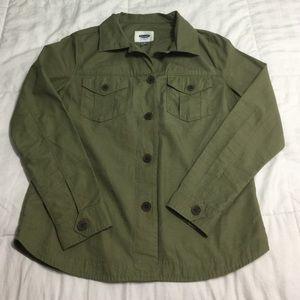 • green shirt •