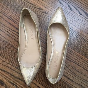 Report Shoes - ✨ GOLD textured metallic flats