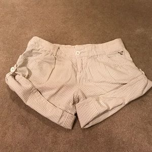 American Eagle Outfitters Pants - American eagle 🦅 size 2 cream striped shorts