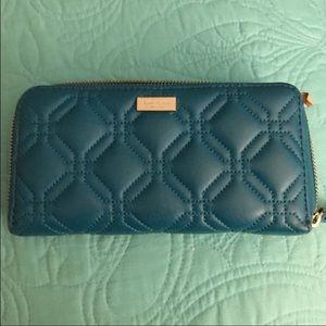 kate spade Handbags - Gently used Kate Spade Astor leather Wallet ❤