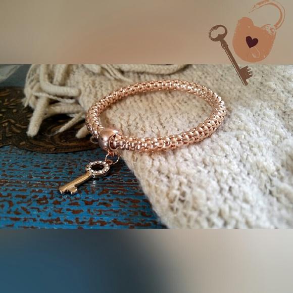 Jewelry - Bronze Key Bracelet