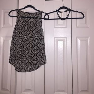 Black and white top (free black chain)