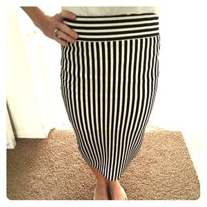 Dresses & Skirts - High waisted pencil skirt -size small -black/white