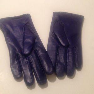 aris Accessories - NWOT Aris leather gloves