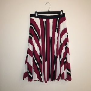 Express Dresses & Skirts - **NEVER BEEN WORN** Express Loose Pleated Skirt