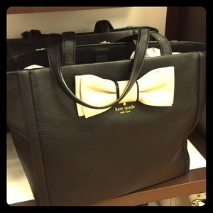 HOST PICK!!! Kate Spade Bow Tote, NWT