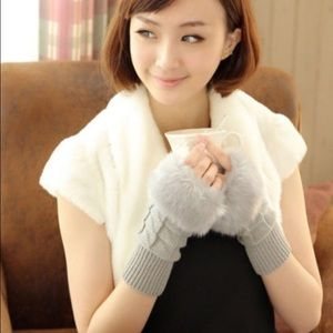 🎀WARM & COMFY KNITTED FINGERLESS GLOVES🎀