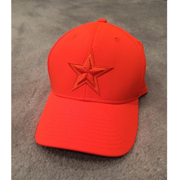 NWOT Reebok Orange and Camo Cowboys Cap. M 587b04119818297a350376f6 9722f8370