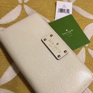 New - Kate Spade Wellesley wallet