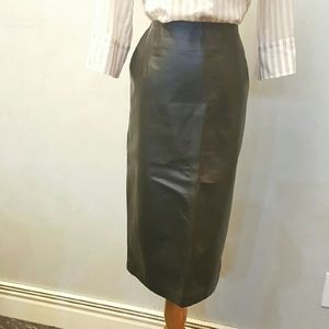 Brown 100% leather skirt (N11)