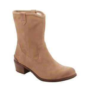 1ad30096219 UGG Australia Women's Briar Boots in Sugar Pine