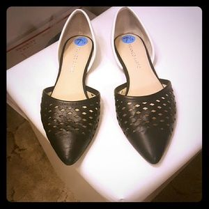 Franco Sarto Shoes - Lowest Price Franco Sarto Black & white flats