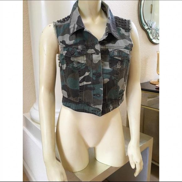 1889265ce8c New Look Jackets & Coats | Camo Vest Khaki Green Ml Utility Crop Top ...