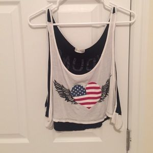 Tops - Cropped heart America tank top