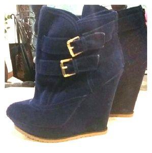 Shoes - 🎀Brand New! Heel Wedge Booties!🎀👠