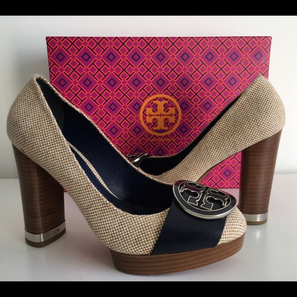 f99f614bc TORY BURCH CANVAS NAVY BLUE HIGH HEEL PUMPS