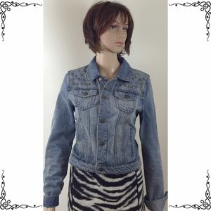 Forever 21 jean jacket with stud detail, sz M
