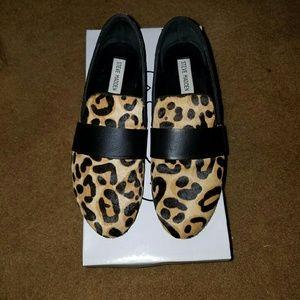 Steve madden calf hair leopard print loafer