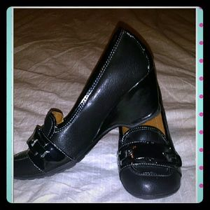Jaclyn Smith Shoes - Black Casual Wedges
