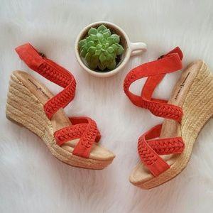 Minnetonka Shoes - Minnetonka Woven Leather Wedges 6 NWOB
