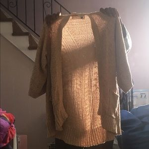 Thick double pocketed cardigan