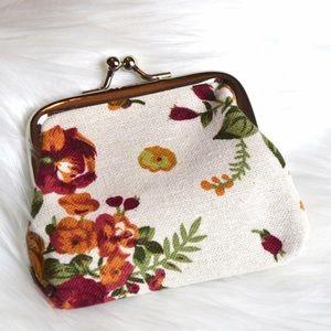 Handbags - White Floral Coin Purse
