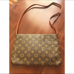 Louis Vuitton Handbags - Authentic Louis Vuitton Envelope Shoulder Clutch
