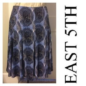 East 5th Dresses & Skirts - EAST 5TH Beautifully designed skirt