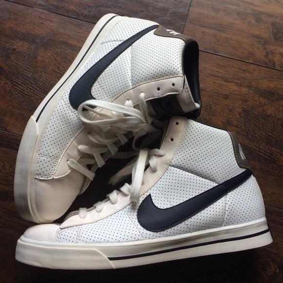 Men's Vintage Nike High Tops Size 9.5