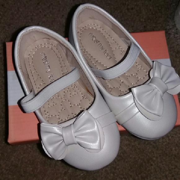 d5ac750a6dde20 Baby girl dress shoes