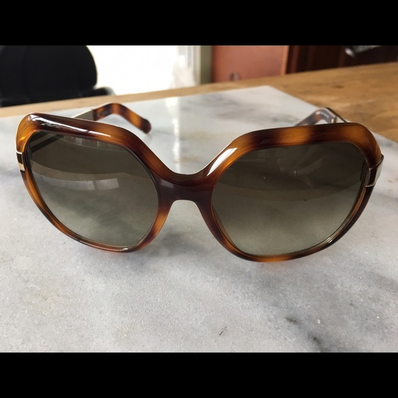 8658b21c27a0 Chloe Accessories - Chloe Oversized Sunglasses