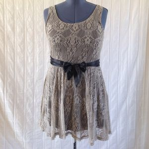 Mimi Chica Dresses & Skirts - Cute lace goth dress with back detail
