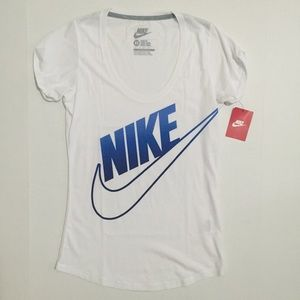Nike Tops - [Nike] women's screen logo tshirt XS-S