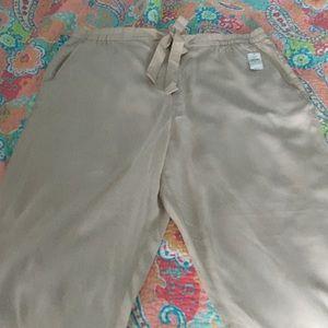 GAP Pants - NWT Gap light tan dress pants
