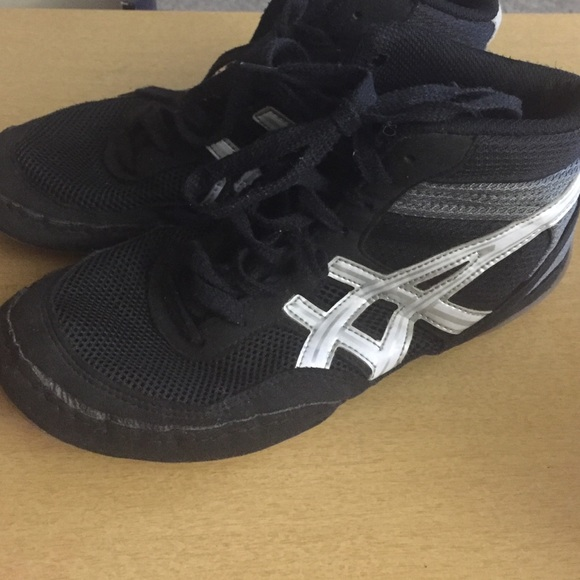 83% off Asics Other - Asics wrestling shoes size 8 from Amy's ...