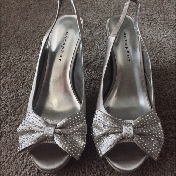 77 off metaphor shoes classy open toe silver heels with