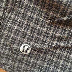 lululemon athletica Pants - Lululemon Pace Shorts Black Gray Plaid sz 8