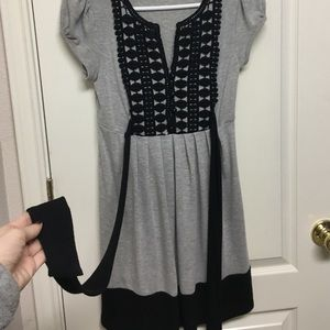 Gray black print dress
