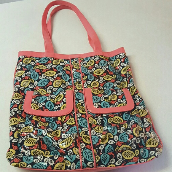 Like New Vera Bradley Vinyl Coated Large Tote Bag.  M 587bfc34f0928241ce037c39 8f0f2dc98fbc7