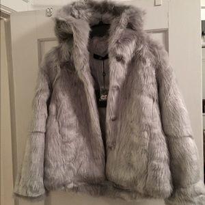864e66d595 Missguided Other - Missguided x Caroline Receveur faux fur grey coat