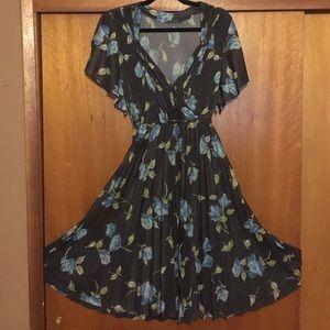 Vintage flutter sleeve full skirt floral dress