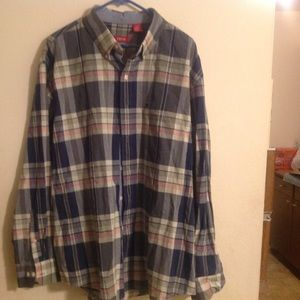 Izod Other - Izod Men's Plaid Button down Shirt